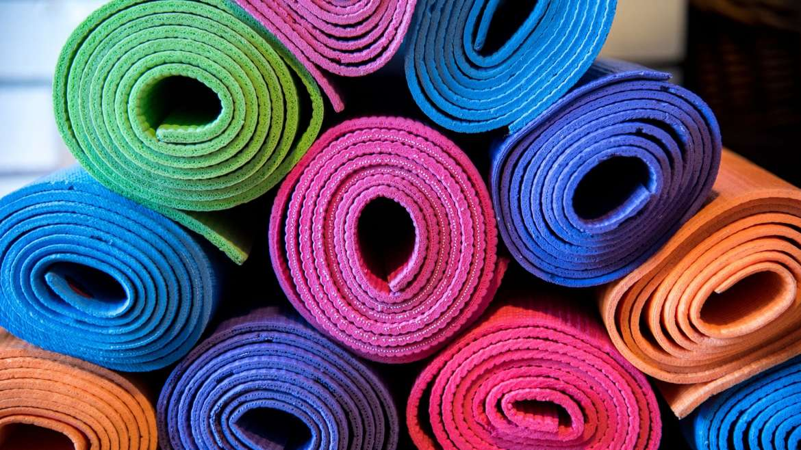 How to Buy a Yoga Mat (Without Having a Panic Attack)